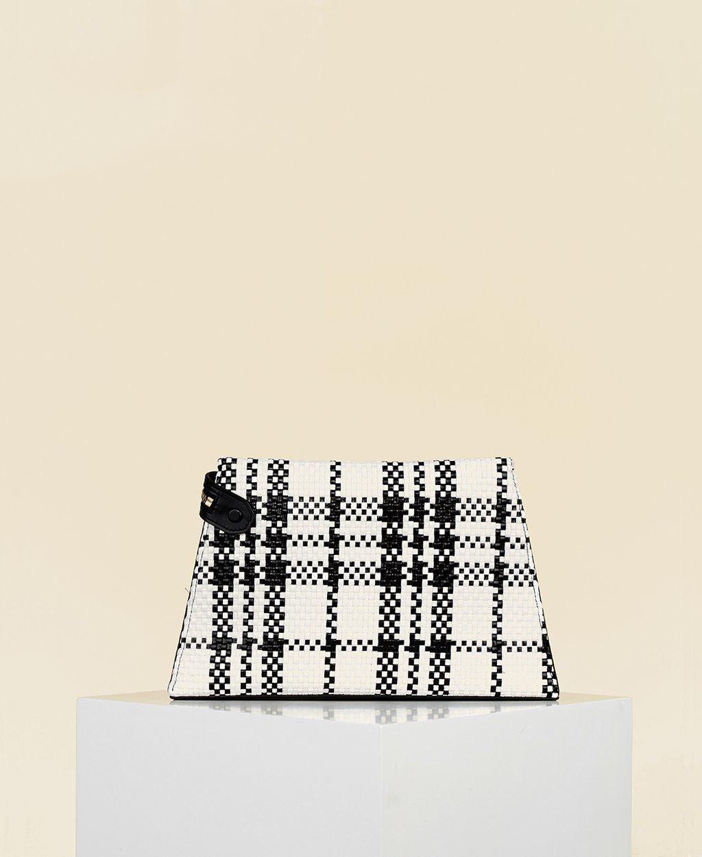 Cafuné Camber Clutch in Black/White Woven