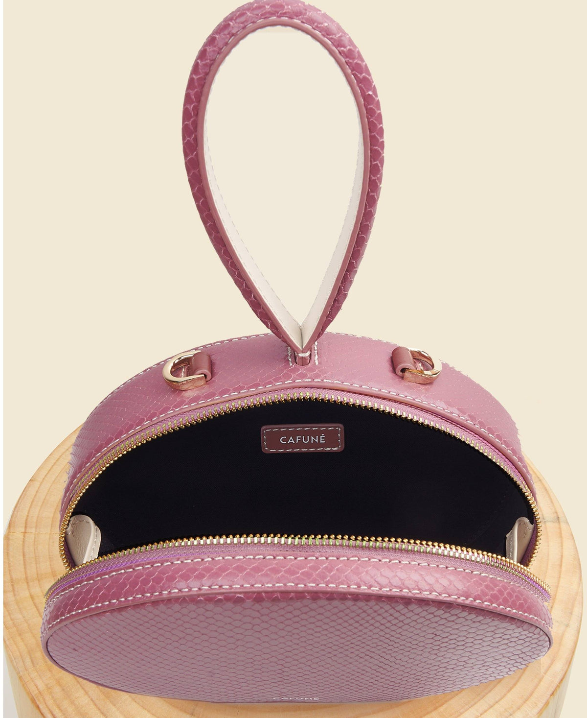 Cafuné Egg Bag in Mauve