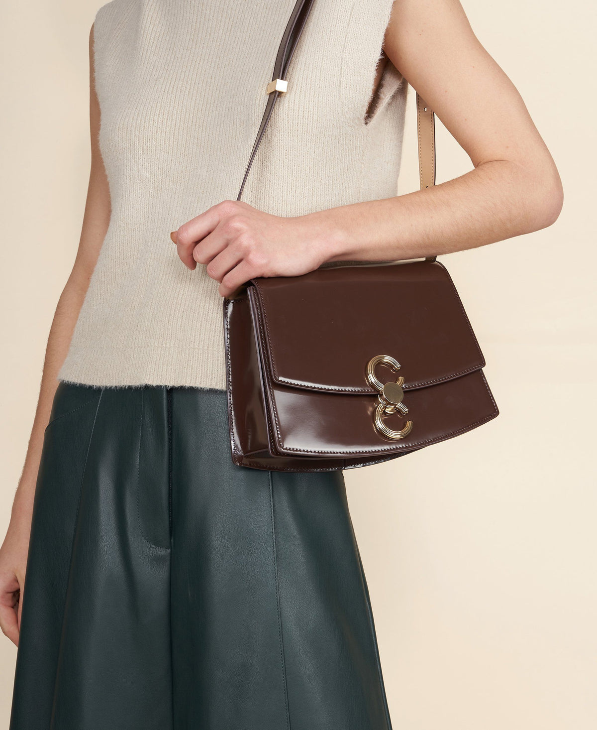 Cafuné Pendulum Bag in Walnut