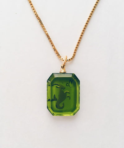 Capricorn Necklace - Green Zodiac Birthstone Crystal Pendant Necklace - Crystal Back
