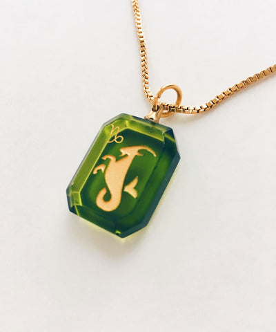 Capricorn Necklace - Green Zodiac Birthstone Crystal Pendant Necklace - Crystal Detail and Side
