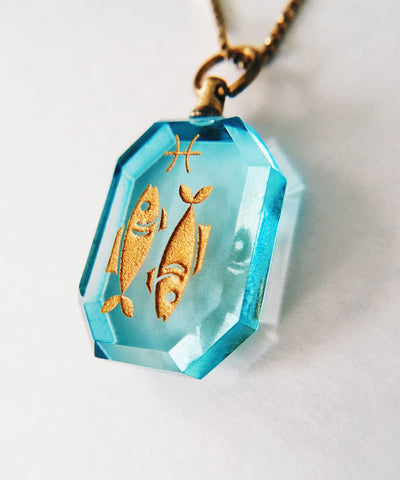 Pisces Necklace - Blue Zodiac Birthstone Crystal Pendant Necklace - Pendant Closeup