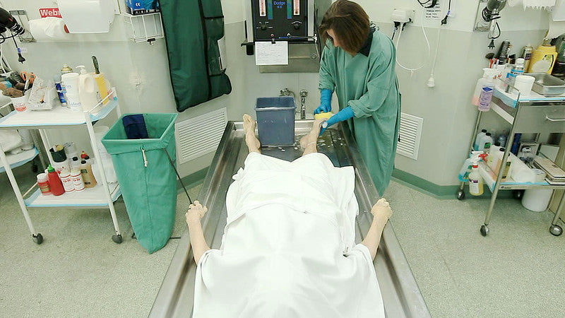 embalmer working in the lab