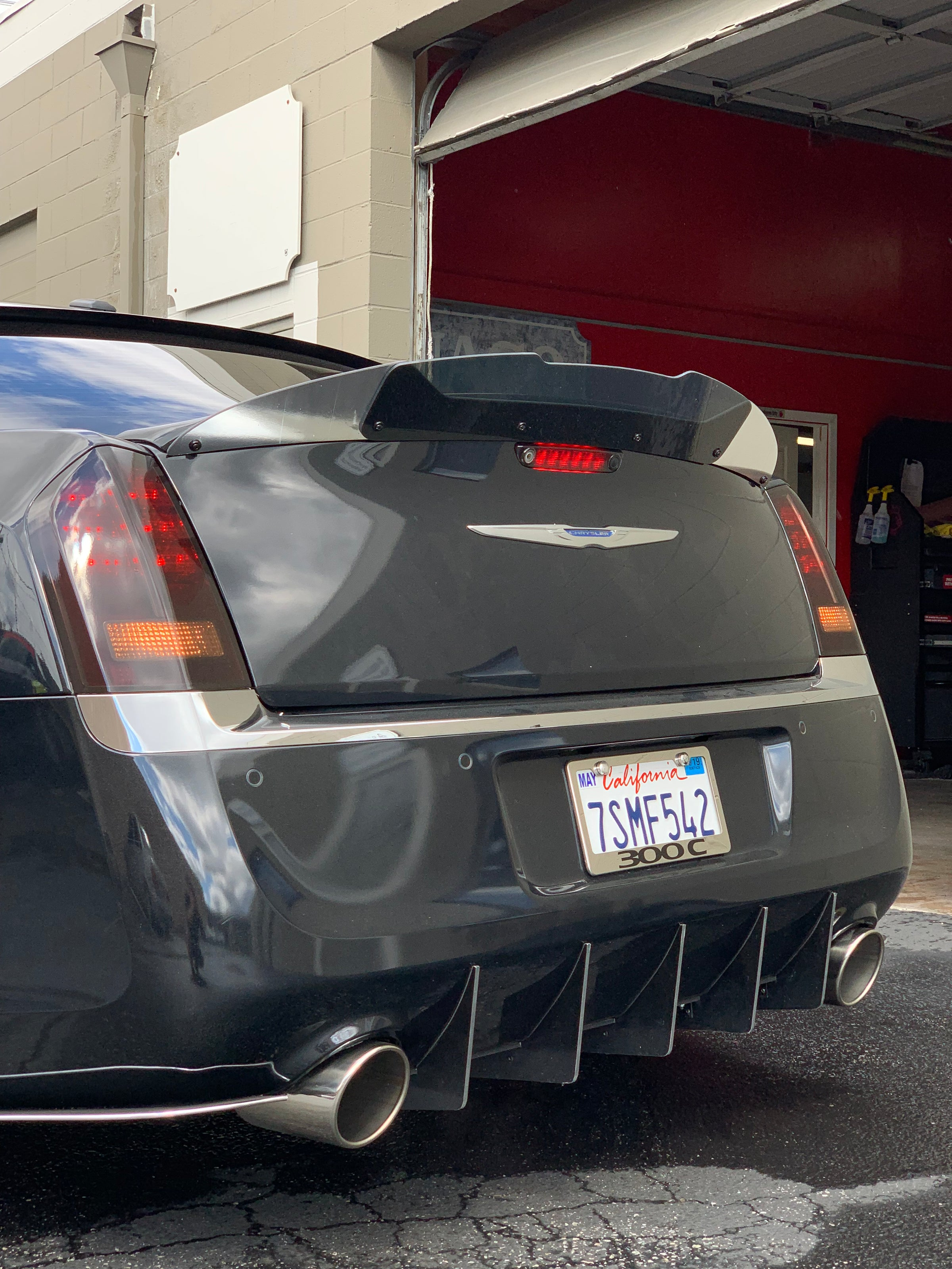Chrysler 300 Srt Wing Wicker Bill Kngwraps Com