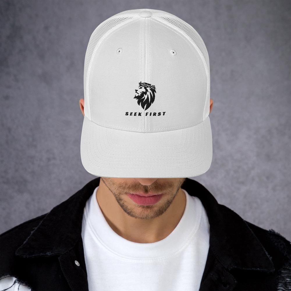 White Thorn Crowned Lion Trucker Cap
