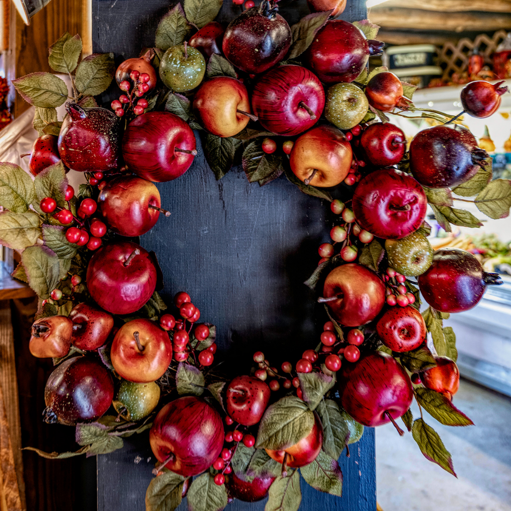 Apple Wreath at Hensler Farms | Wear the Wonder