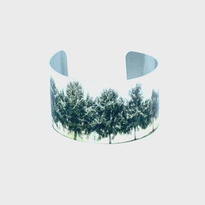 360 product video of a Winter Morning Wide Cuff Bracelet | Wear the Wonder