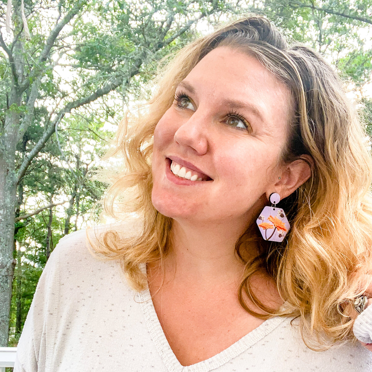 Lifestyle photo lavender busy bee earring | Wear the Wonder