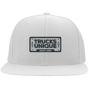 Trucks Unique black & silver embroidered logo 6297F Flat Bill Fulback Twill Flexfit Cap