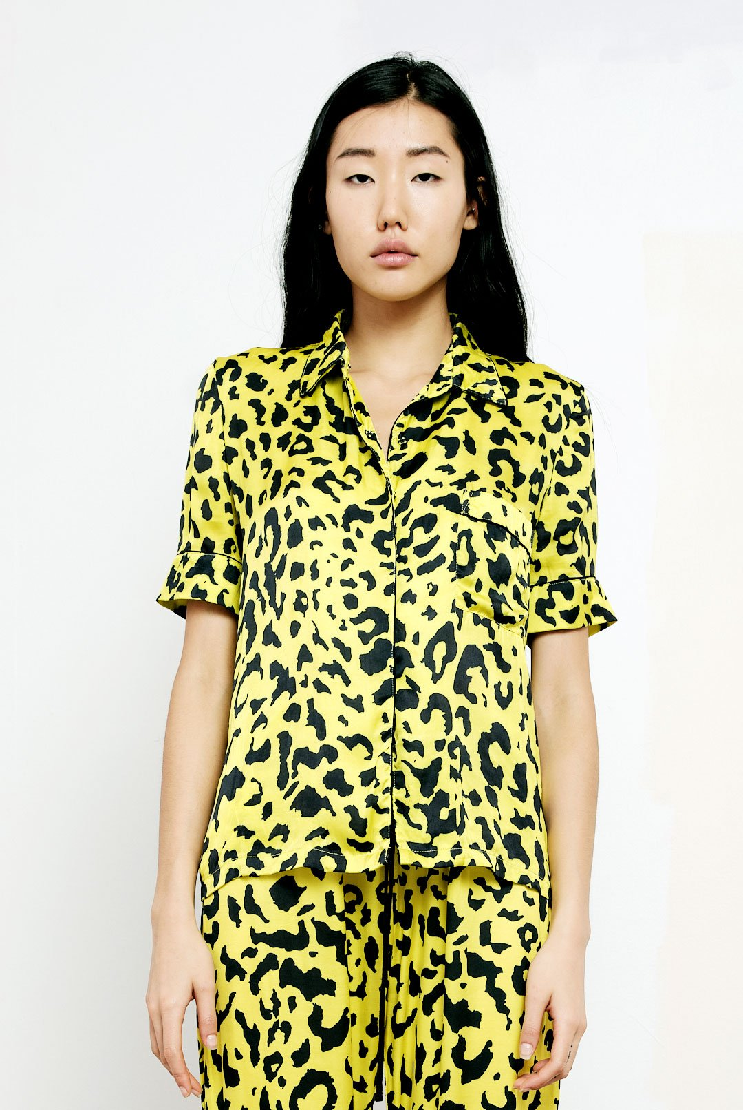 The Lounge Shirt in Yellow Leopard