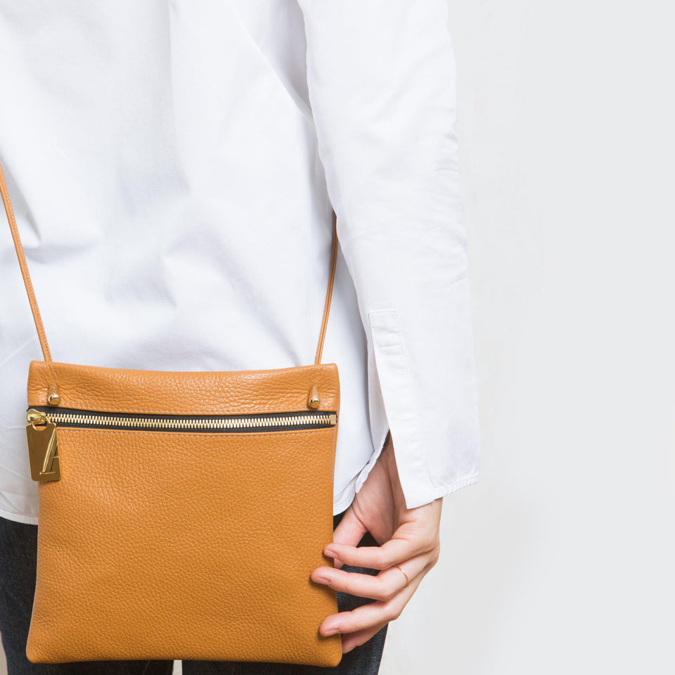 Pocket Bag Square Tan