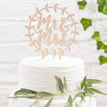 Laden Sie das Bild in den Galerie-Viewer, Mr & Mrs Cake Topper Holz Kranz