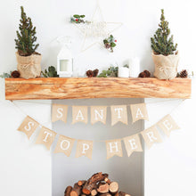 Laden Sie das Bild in den Galerie-Viewer, Santa Please Stop Here Girlande Weihnachten