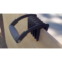 GORILLA GRIPPER - HELPS YOU CARRY LARGE PIECES OF WOOD OR DRYWALL