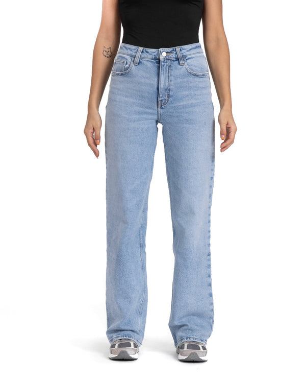 feminine unspun light loose fit jeans