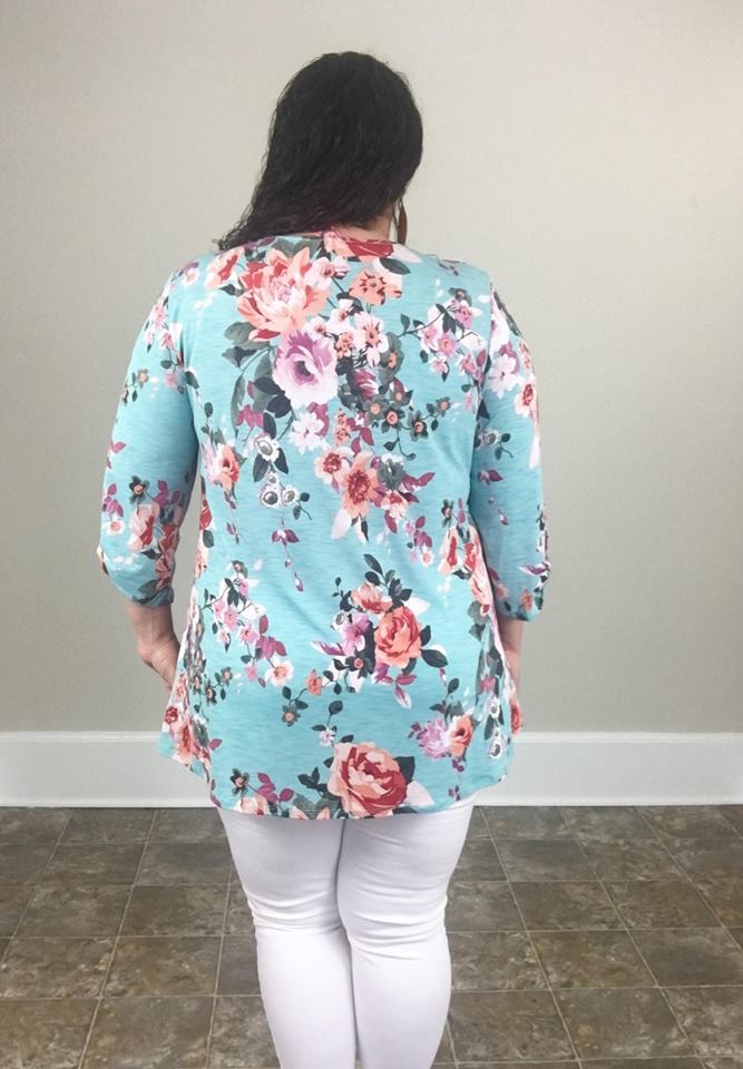 Blue Floral 3/4 Sleeve Tunic - Trendy Plus Size Women's Boutique Clothing