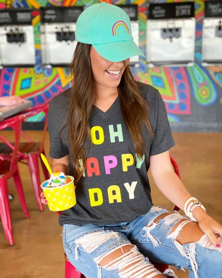 OH HAPPY DAY GRAPHIC TEE