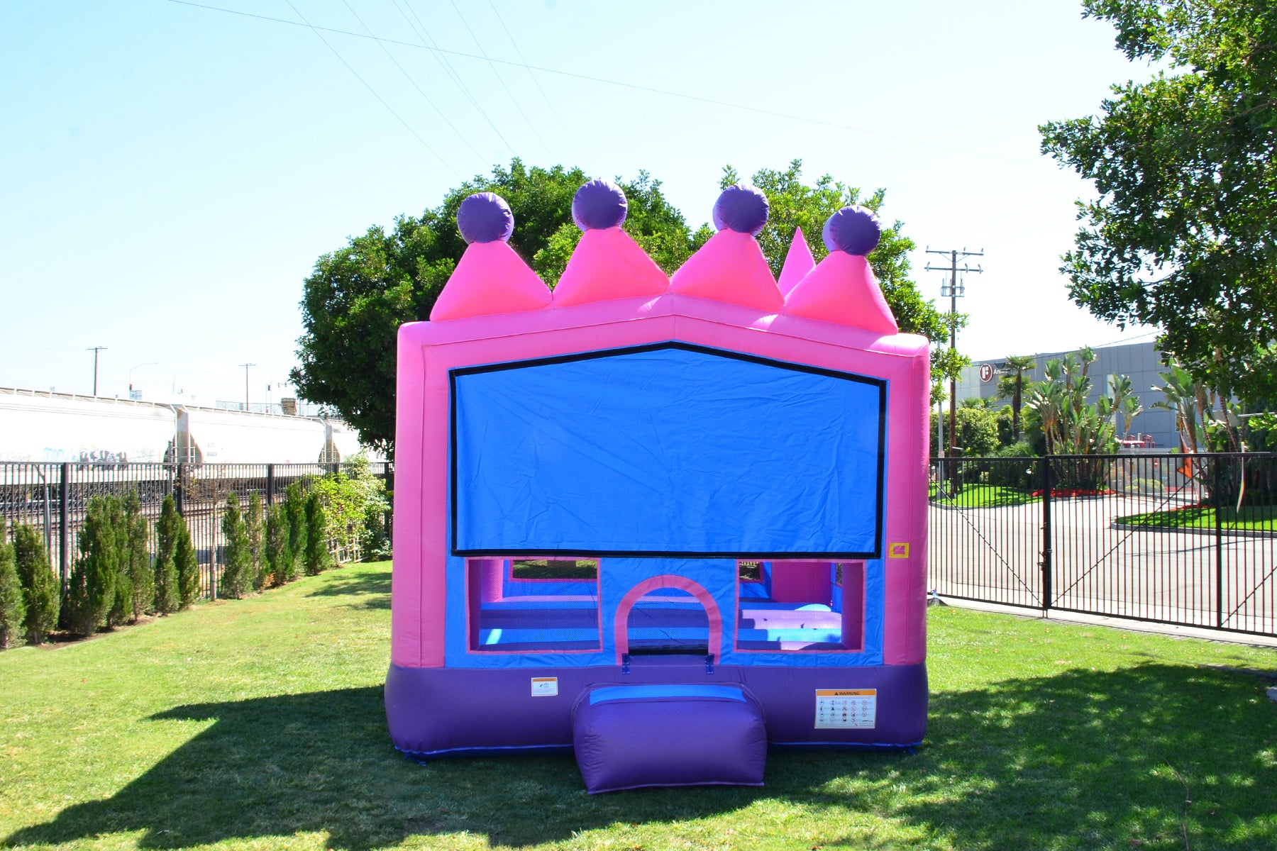 TIARA 13' X 13' BOUNCE HOUSE
