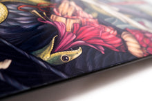 "Laden Sie das Bild in den Galerie-Viewer, Carboslick - ""The Crane"" - Skateboard Deck."