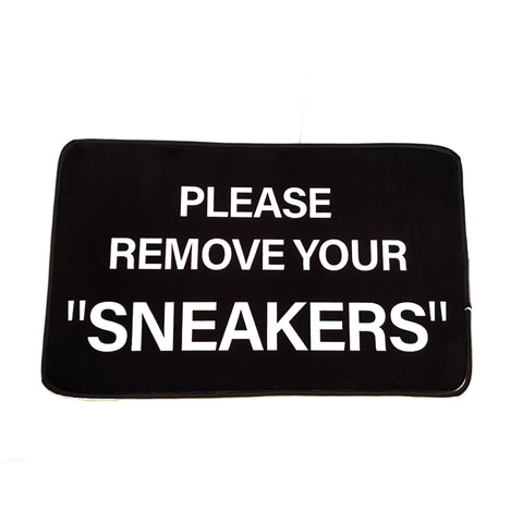 "Mat ""Please Remove Your Sneakers"" Small"