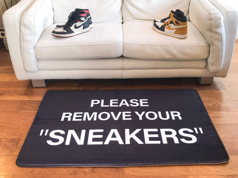 "Mat ""Please Remove Your Sneakers"" Large"