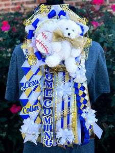 Custom Homecoming Mums and Garters | Located in DFW. Delivery, Shipping and Local Pick Up Available