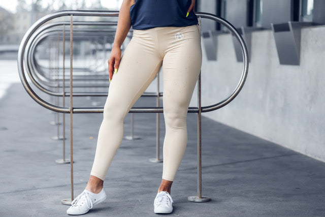 Essential High Waist Scrunch Bum leggings Cream