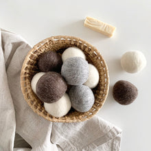 Load image into Gallery viewer, Brown Wool Dryer Balls Set of 3