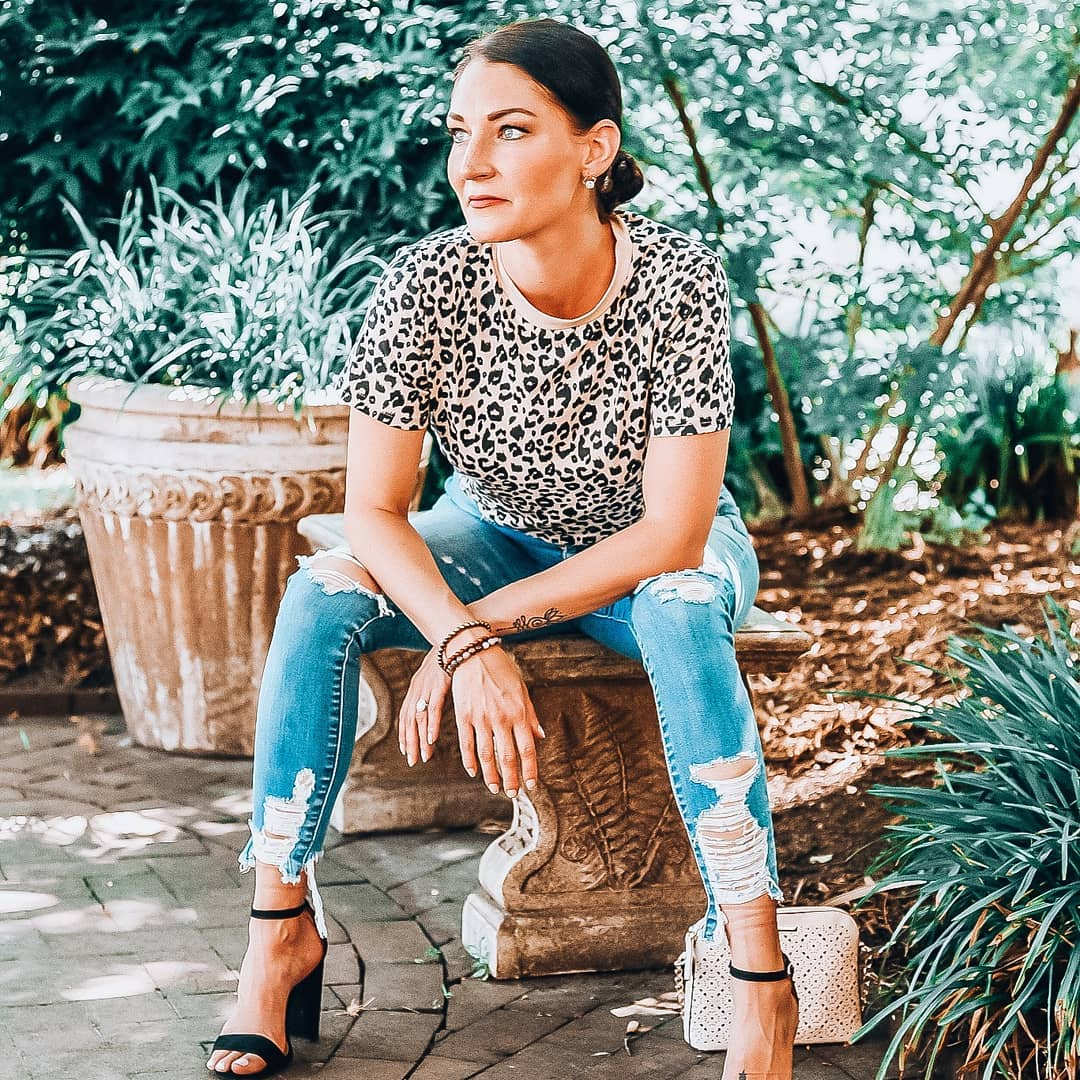 How To Style A Leopard Tee Like A Influencer | Blooming Jelly