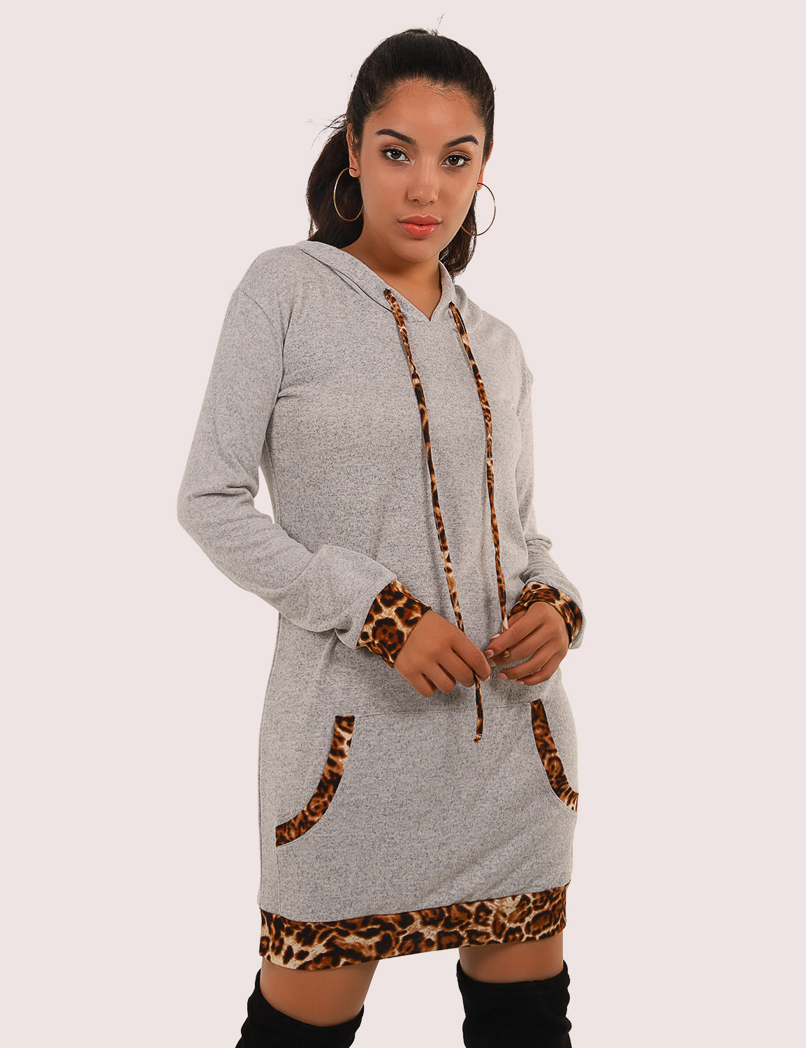 Blooming Jelly_Wild Leopard Patchwork Pouch Pocket Long Hoodie_Gray Leopard Patchwork_305005_07_Chic Wild Outdoor Long_Tops_Hoodie