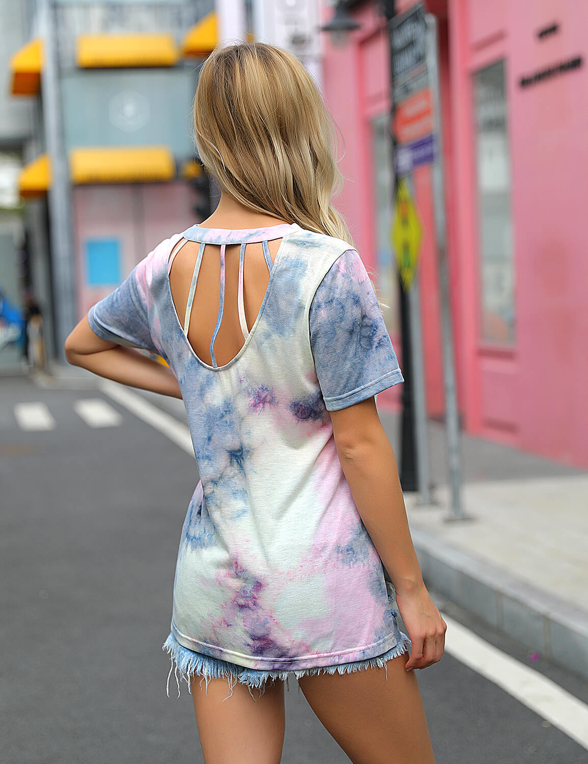 Flattering Tie Dye Print Cutout Back T-Shirt - Blooming Jelly