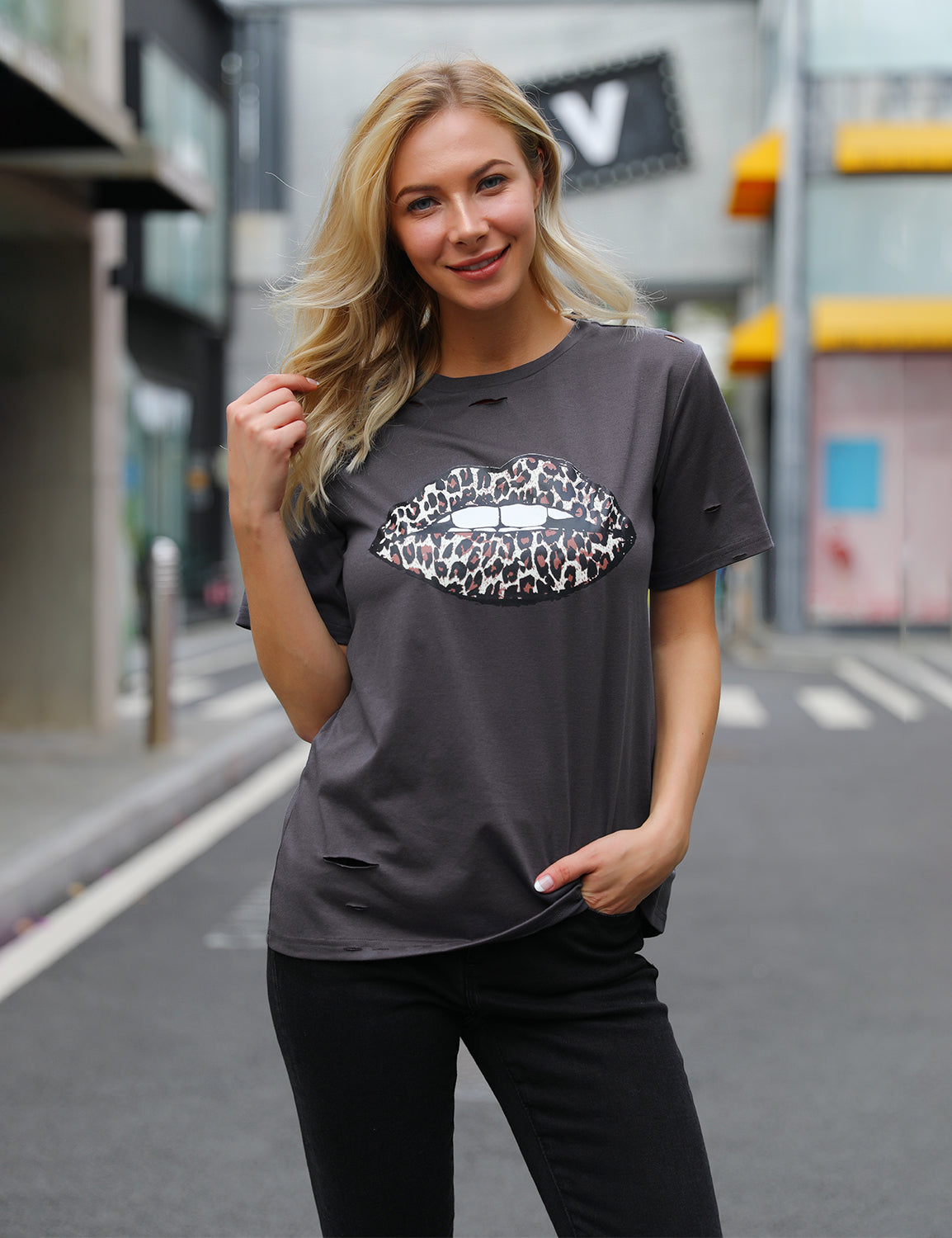 Sexy Lip Leopard Print Casual T-Shirt - Blooming Jelly