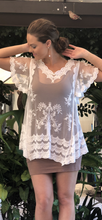 Load image into Gallery viewer, Lace Sweetheart Top