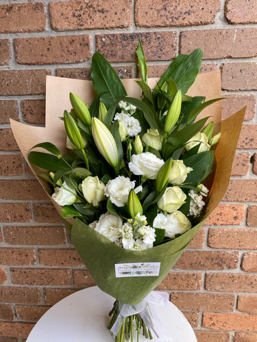 Large bouquet in soft colours