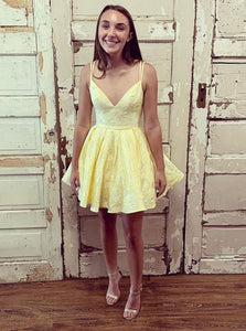 Double Straps V-neck Yellow Short Prom Dress Homecoming Dresses OM518