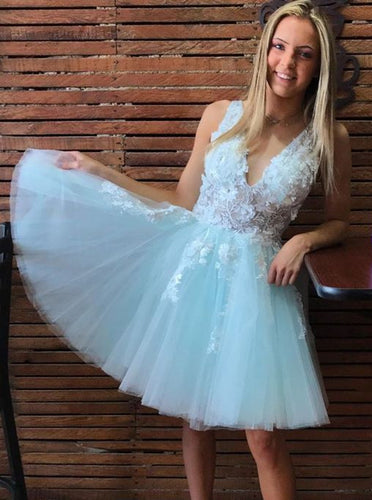 V-neck Tulle Mint Green Short Prom Homecoming Dresses With Appliques OM522