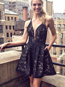 Black A-Line V-Neck Lace Short Prom Homecoming Dresses With Pocket OM515