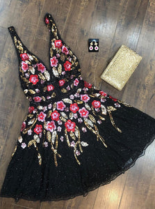 Stunning A-line V-Neck Sequined Floral Black Homecoming Dress OM398