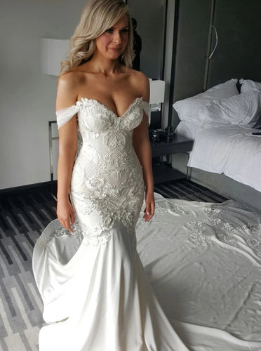 Off Shoulder Lace Appliques Mermaid Wedding Dress with Pearls OW639
