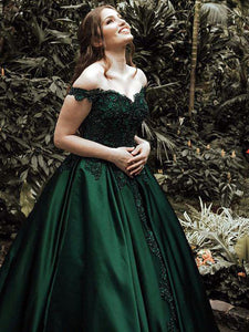 Green Ball Gown Off-the-Shoulder Sleeveless Floor-Length Lace Satin Evening Dresses from ombreprom.co.uk