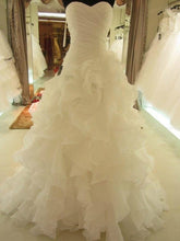 Sweetheart Sleeveless Organza Ball Gown Court Train With Ruffles Wedding Dresses OW119