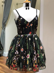 Spaghetti-straps V-neck Black Floral Embroidery Short Homecoming Dress OM364