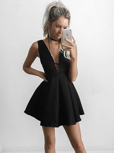 Sexy Deep V-neck Black Short Homecoming Party Dress with Cut-out Side OM149