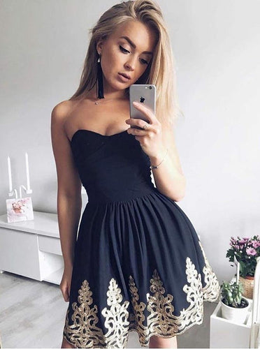 Strapless Black Ruched Short Graduation Dresses with Appliques OM234