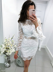 Sexy Bell Sleeves Lace Sheath Short Homecoming Party Dress OM366