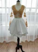 Long Sleeve Short Prom Dress Gold Appliques White Homecoming Dress OM167