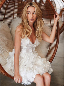Chic A-Line Floral Applique Little White Tulle Homecoming Dress OM129