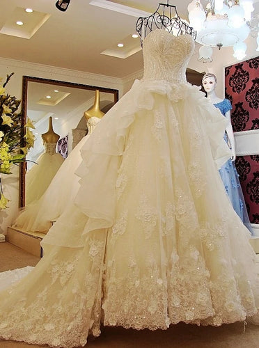 Sweetheart Lace Appliques Ball Gown Vintage Tiered Wedding Dresses OW698
