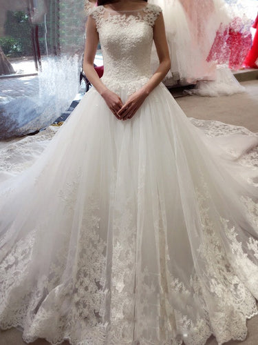 Elegant Bateau Sleeveless Ball Gown Applique Court Train Tulle Wedding Dresses OW110