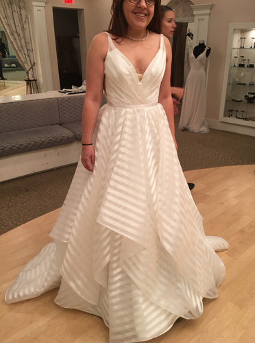 Deep V-Neck Stripes Plus Size Wedding Dresses Organza Backless Bridal Gown OW637